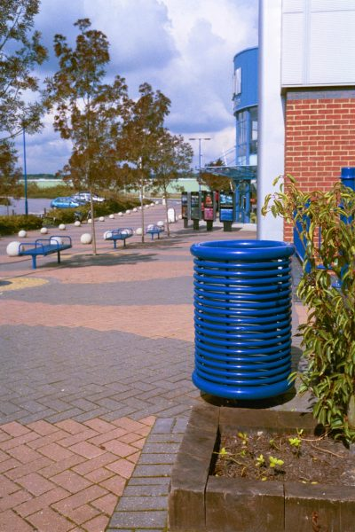 Powdercoated steel litter bin