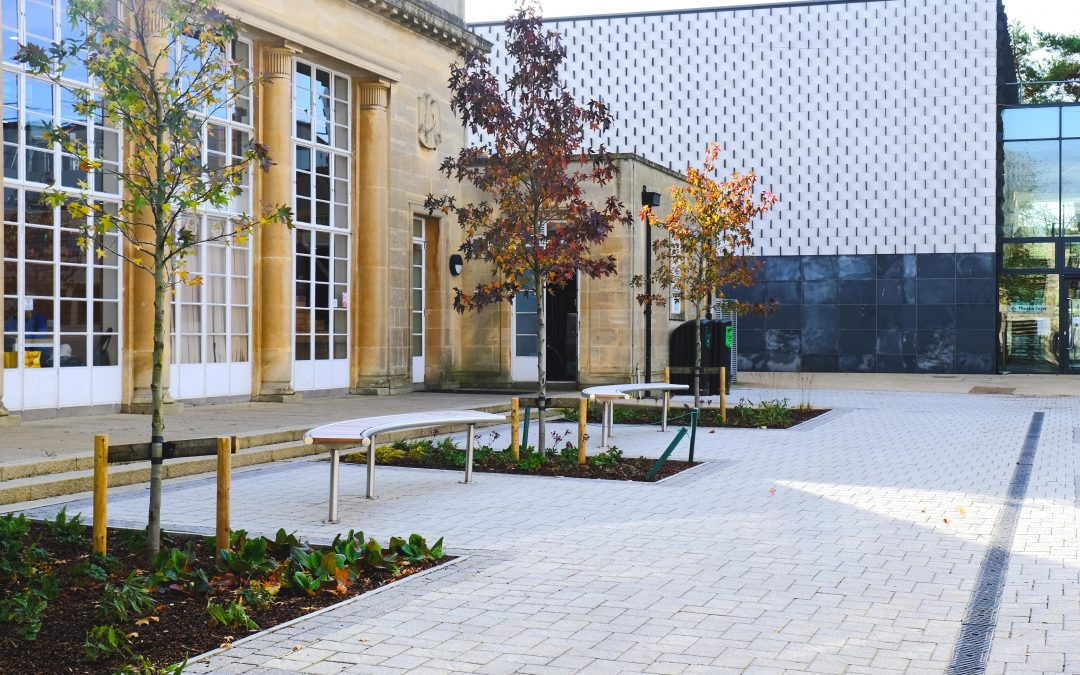 Bath Spa University – External furniture
